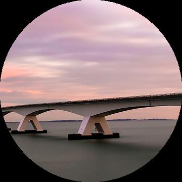 Panorama Zeelandbrug tijdens zonsopkomst van Marjolein van Middelkoop