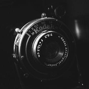 Vintage Analog Kodak Kamera | Schwarz-Weiß-Foto von Diana van Neck Photography