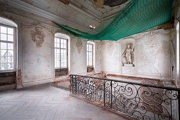 Verlassene Treppe im Ballsaal.