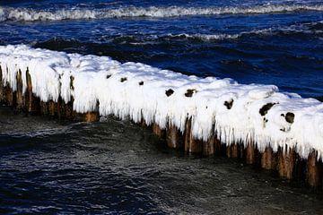 Ostseestrand mit Eis von Thomas Jäger