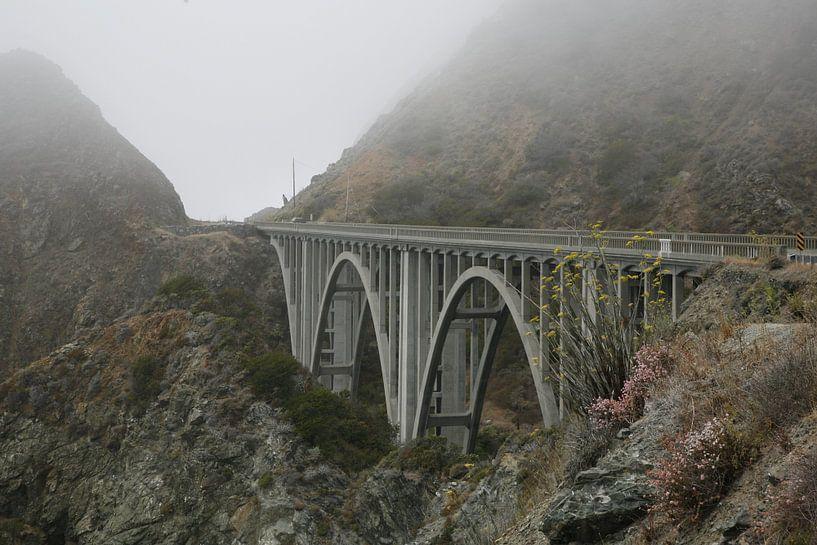 Mystische Brücke von Suzana Luttermann