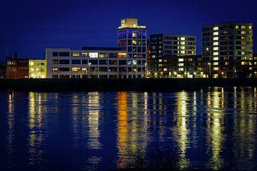 Venlo | Plan du soir de la montée des eaux dans la Meuse (bâtiment Nedinsco) sur Jos Saris