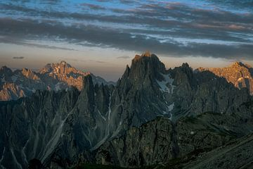 Sonnenaufgang in den Dolomiten von Roy Poots