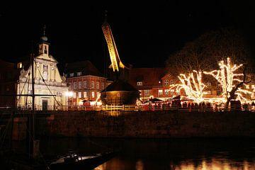 Op de Stintmarkt in Lüneburg: De Oude Kraan en het warenhuis van Anja Bagunk