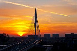 Prins Clausbrug tijdens zonsondergang te Utrecht van Anton de Zeeuw