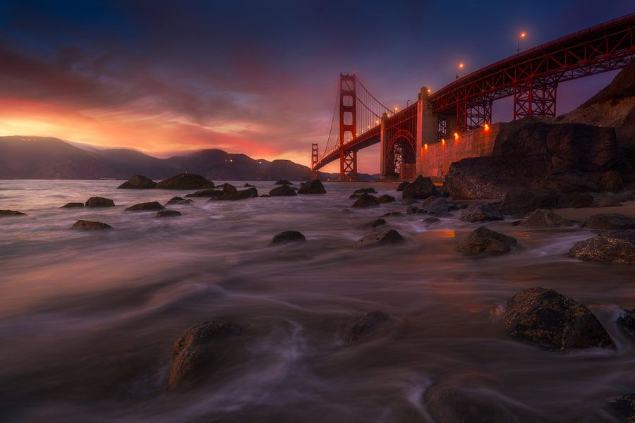 Duistere Golden Gate van Albert Dros