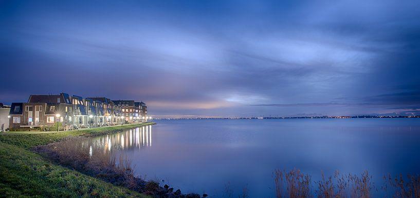 IJselmeer bij avond van Paul Tolen