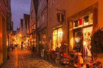 Bremer Schnoorviertel mit Weihnachtsbeleuchtung bei Abendämmerung, Bremen, Deutschland von Torsten Krüger