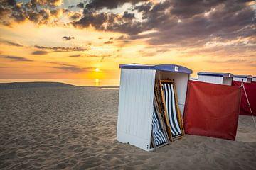 Sonnenuntergang am Strand von Katwijk von Hanno de Vries