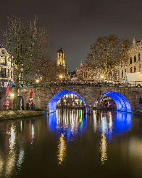 Domtoren, Bakkerbrug en Oudegracht in Utrecht in de avond - 2 van Tux Photography