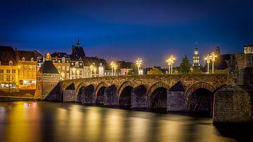 St.Servaos Brögk, Mestreech - Sint Servaas Brücke, Maastricht - Blaue Stunde von Teun Ruijters