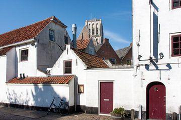 Malerische Straße in Brielle von Peter de Kievith Fotografie