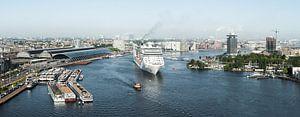 Amsterdam verwelkomt cruiseschip MSC Splendida von