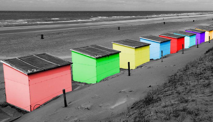 Gekleurde strandhuisjes van Menno Schaefer