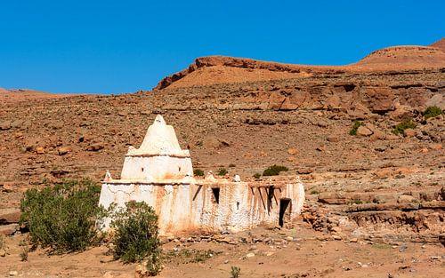 Witte ruïne in de Midden-Atlas, Marokko