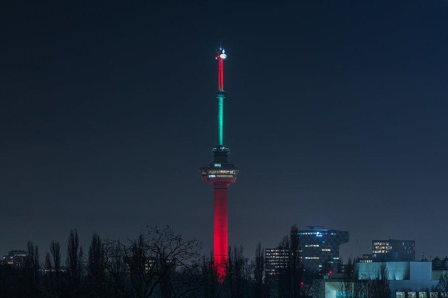 De Euromast in Rotterdam in de kleuren rood en groen van MS Fotografie