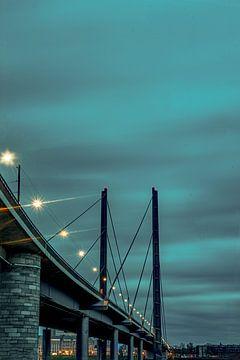 Rheinbrücke Düsseldorf 4 von Johnny Flash
