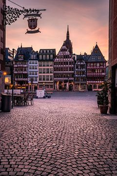 Frankfurt Römerberg met stadswapen van Fotos by Jan Wehnert