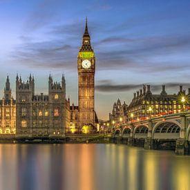 Westminster Bridge en de Big Ben  van Bert Buijsrogge