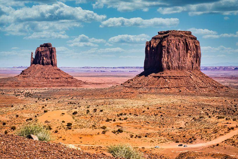 weg door Monument Valley van Rietje Bulthuis