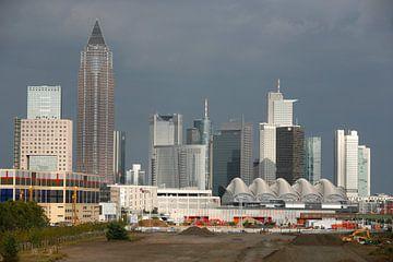 Skyline zakencentrum  van Frankfurt sur Ger Loeffen