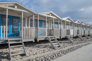 Strandhuisjes bij Wijk aan Zee van Corali Evegroen