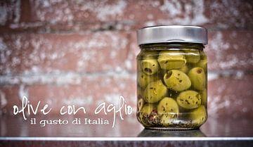 Olive con aglio van Michel Derksen