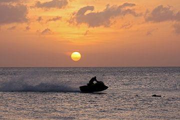 zonsondergang caribbean van gea strucks