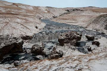Wasserfall flussaufwärts des Skógafoss-Wasserfalls von Anita van Hengel