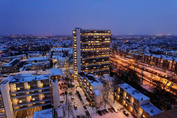 Uitzicht over een deel van het Tuindorp-West complex in Utrecht van Donker Utrecht