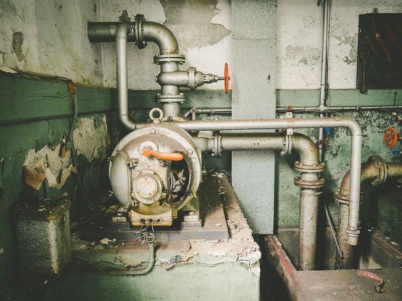 Wasserkraftwerk Urbex von Martijn Tilroe