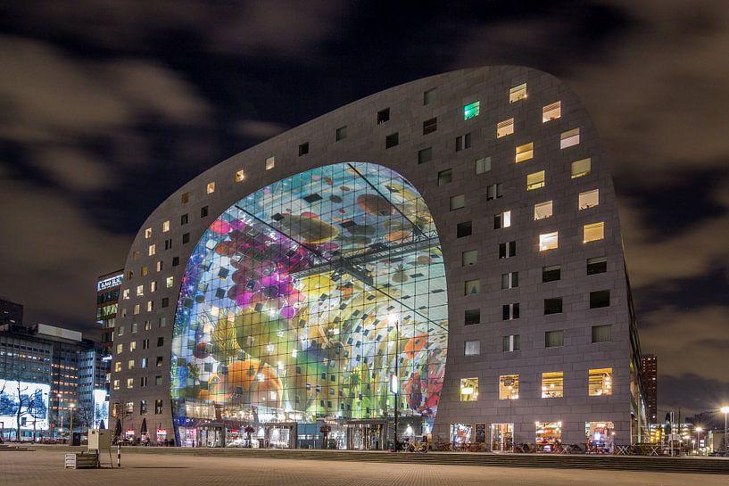 Markthal Rotterdam by night van Stefan Fokkens