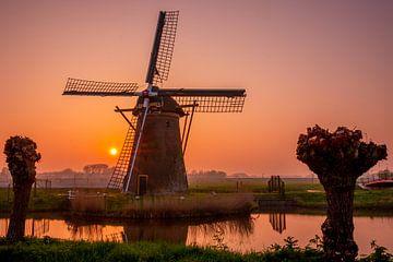 Stevenshofjes molen tijdens zonsondergang van John Ouds