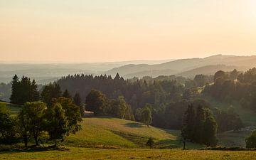 Zonsondergang in heuvellandschap van Jeroen Kleiberg