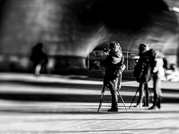 Photographers at work (B&W) van Lex Schulte