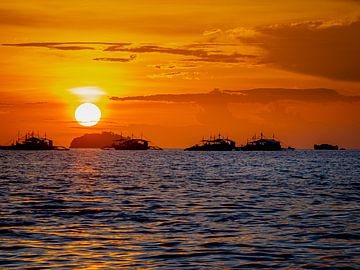 Zonsondergang nabij Malapascua Filipijnen van Rik Pijnenburg