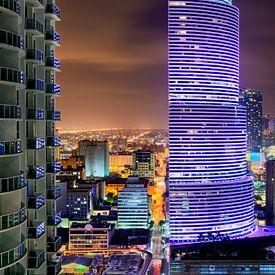 Miami Tower at Night van Mark den Hartog