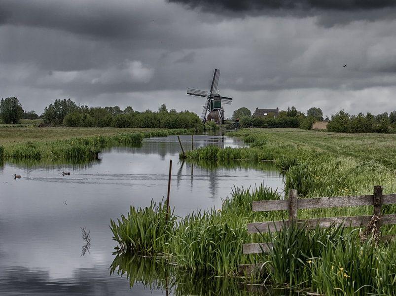 Mühle in holländischer Landschaft von Eddie Meijer