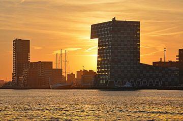 Sonnenuntergang über Lloydpier Rotterdam von Frans Blok