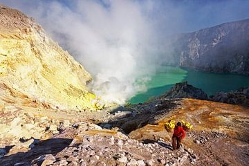 de Ijen vulkaan in oost Java van Jaap van Lenthe