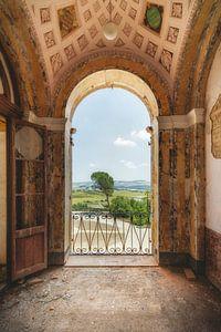 Uitzicht over de kasteeltuin van