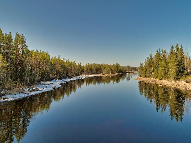 Spiegelbeeld in het water van Fields Sweden