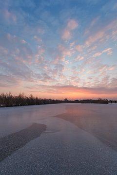 Sonnenaufgang im Winter von Thijs Friederich