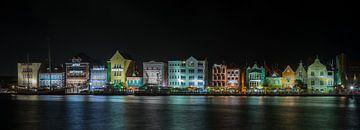Handelskade Curacao by Night van Mark De Rooij