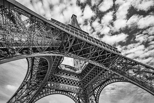 Eiffeltoren in zwart-wit van Ronne Vinkx