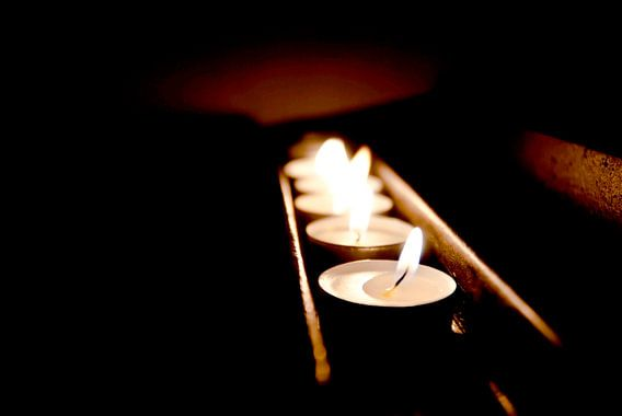 Sacrificial light, tea lights