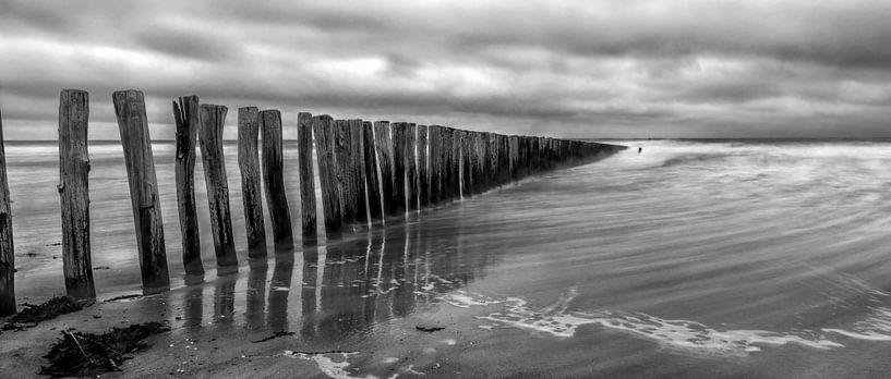 Cadzand - Stormy Beach (ZW) van Joram Janssen
