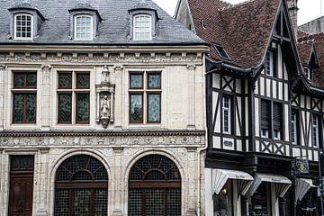Alte Fassaden in Reims, Frankreich von Mariette Jans
