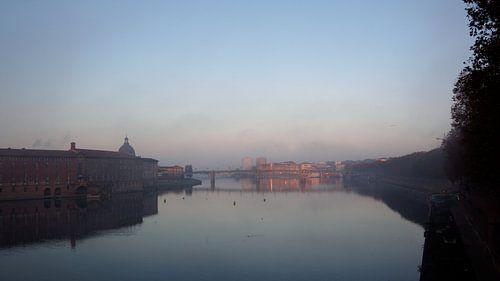 Le Garonne from Le Pont Neuf, Toulouse. sur