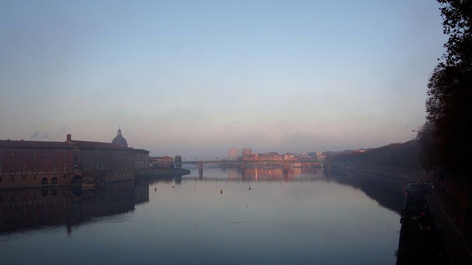Le Garonne from Le Pont Neuf, Toulouse.